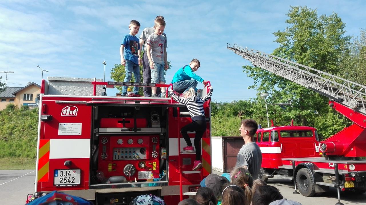 2. A u hasičů